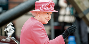 La Regina Elisabetta dice stop alle pellicce