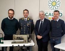 Macchine da cucire sequestrate donate alla rete Cauto