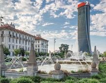 """Milano: CityLife e Torre Hadid. Un grattacielo chiamato """"lo Storto"""""""
